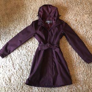 Eddie Bauer trench coat/rain coat. EUC
